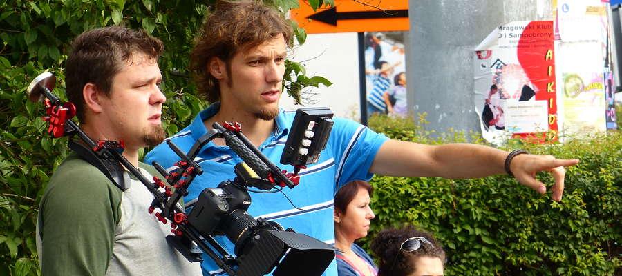 - Zdjęcia rozpoczęliśmy w minioną niedzielę, 18 sierpnia - mówi Michał Bartoszewicz, reżyser filmu (drugi z lewej)