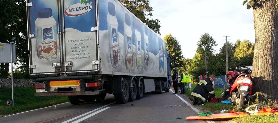 Policja prosi świadków wypadku w Stradunach o zgłoszenie się na policję lub kontakt telefoniczny