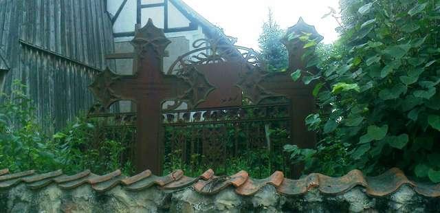Mańki: cmentarz przykościelny - full image