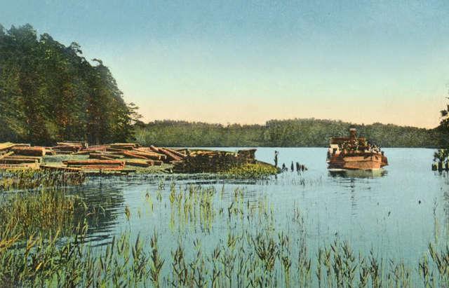 Spław drewna na jeziorze Guzianka Wielka, początek XX wieku  - full image
