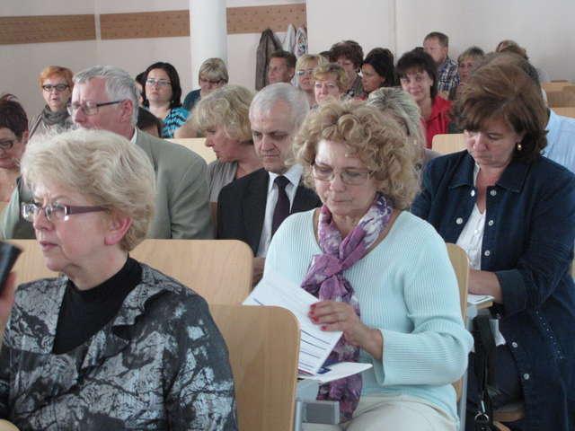 Konferencja poświęcona nowemu modelowi wspomagania rozwoju szkół odbyła się w środę w bursie szkolnej.  - full image
