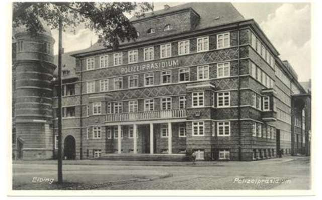 Elbląg: Dawny budynek prezydium policji z 1930 roku - full image