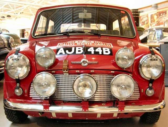 Zlot samochodów Mini Morris  - full image