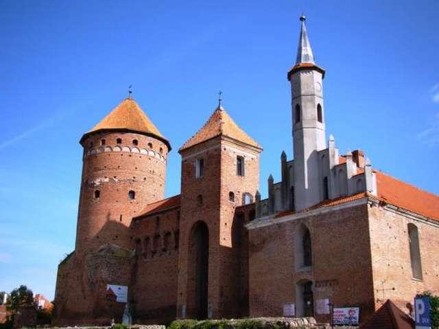 Zamek - najbardziej rozpoznawalny zabytek Reszla - full image