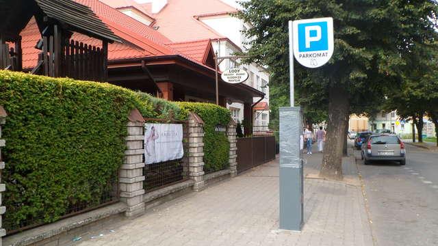 Jeden z trzech parkomatów przy ul. Braci Tułodzieckich - full image