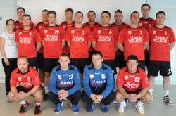 Zespół I-ligowych piłkarzy ręcznych Mebli Wójcik Elbląg
