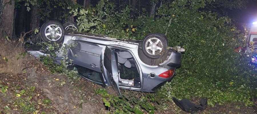 Przyczyną wczorajszego wypadku było najprawdopodobniej wtargnięcie zwierzyny na jezdnię