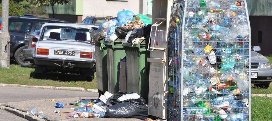 Śmieci zalały osiedle Unitra