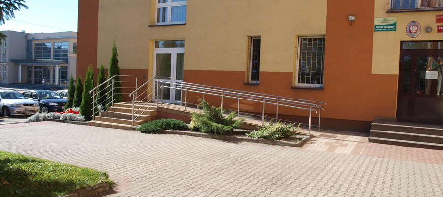 Dla osób niepełnosprawnych zostało uruchomione drugie wejście do urzędu