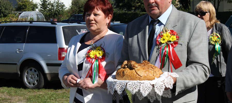 Starostami dożynek w Sątopach - Samulewie byli Elżbieta Aftyka z Grzędy i Stanisław Malinowski z Unikowa.