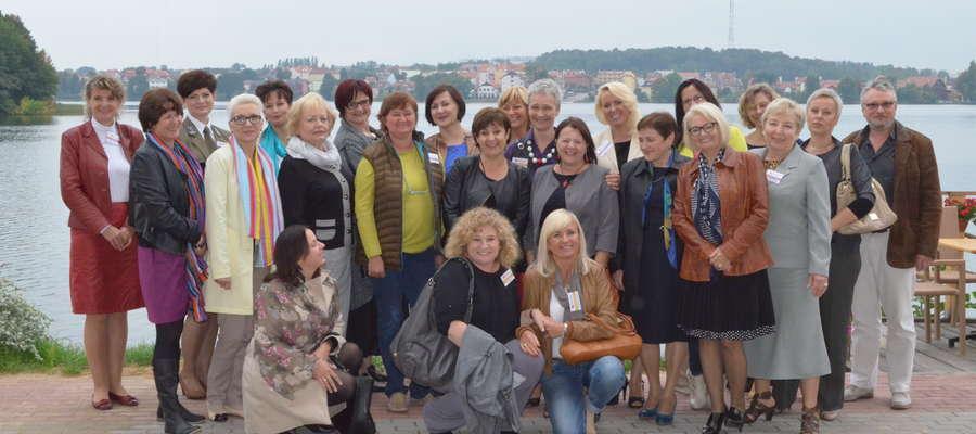 Uczestniczki, organizatorki i sponsorzy I Mrągowskiego Kongresu Kobiet