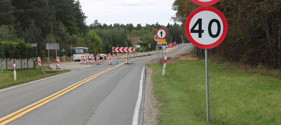 Już w październiku kierowcy będą jeździć objazdem przez przejazd kolejowy w Rakowicach