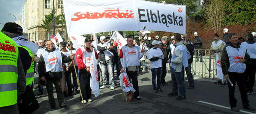W marcu na manifestacje do Warszawy pojechało 400 związkowców z Solidarności regionu elbląskiego