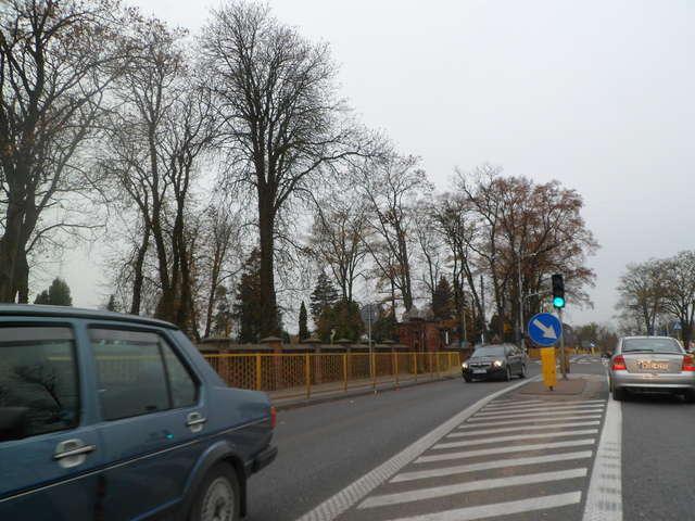 1. listopada zapowiadane są utrudnienia na drogach - full image
