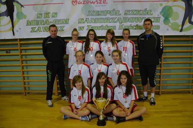 Drużyna z awansem na Mazowieckie Igrzyska Młodzieży  - full image