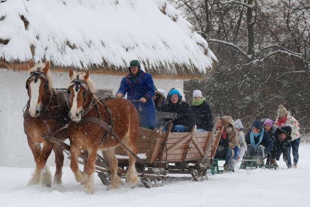Zima w Muzeum Wsi Mazowieckiej w Sierpcu - full image