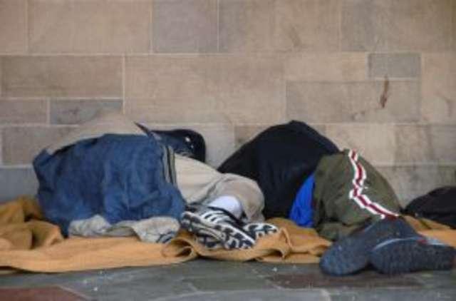 Pomóż bezdomnym i samotnym przetrwać zimę  - full image