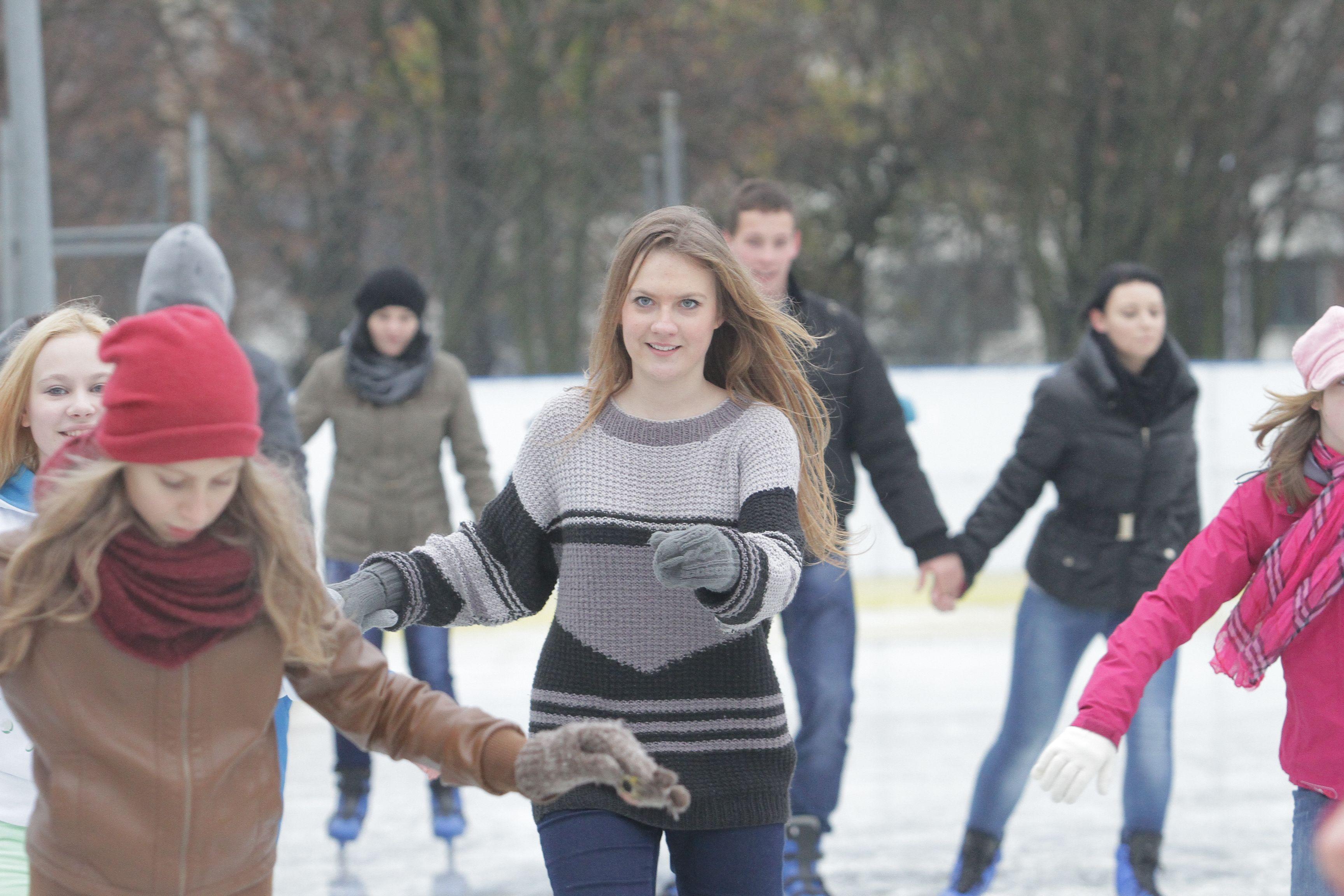 Lodowisko w Olsztynie ruszyło z poślizgiem