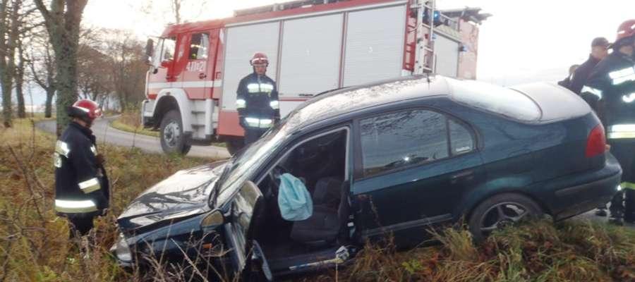 Do wypadku doszło we wtorek (12 listopada) ok. godz. 8.00 w pobliżu Woli Lipowskiej (gm. Braniewo)