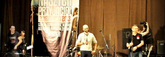 Na scenie twórcy Muzycznych zaduszek Krzysztof Czyżyk i Michał Nowakowski