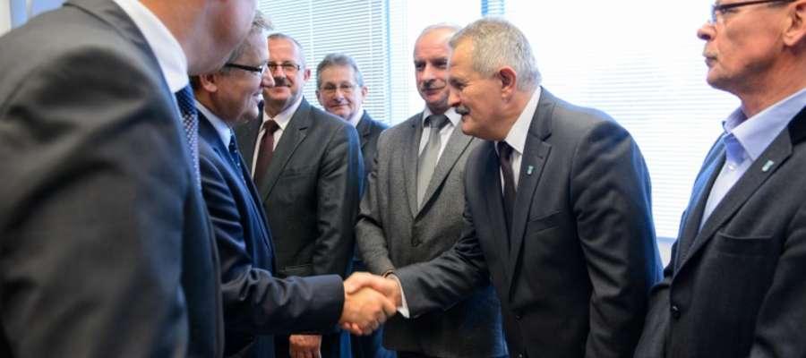 Przewodniczący Rady powiatu Jerzy Rzymowski podczas spotkania z Prezydentem RP Bronisławem Komorowskim