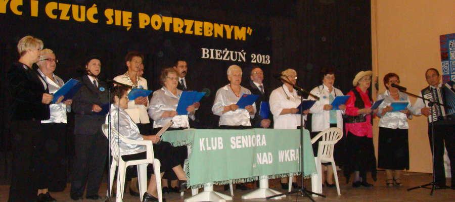Występy seniorów na scenie bieżuńskiego MGOK-u