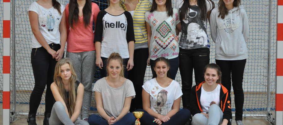 Licealistki z LO zagrają w Płońsku