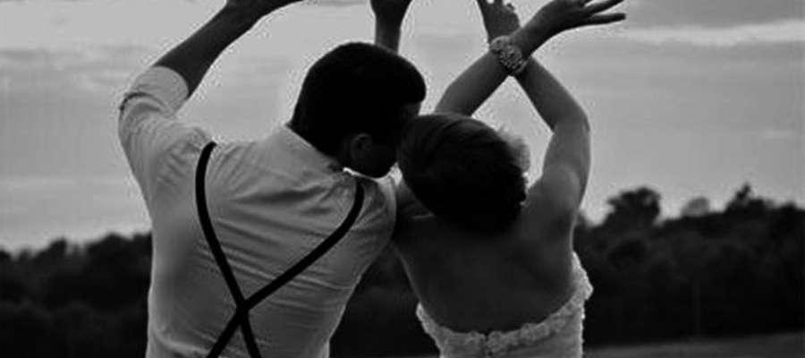 Ślub na szczycie wieży ratusza czy w łodzi na jeziorze