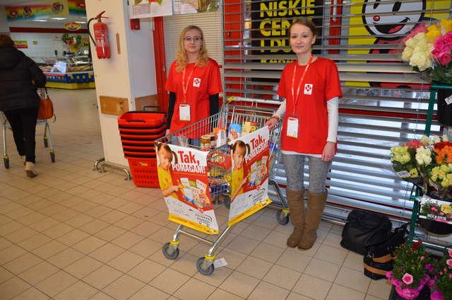 Zbiórka żywności dla rodzin potrzebujących - full image