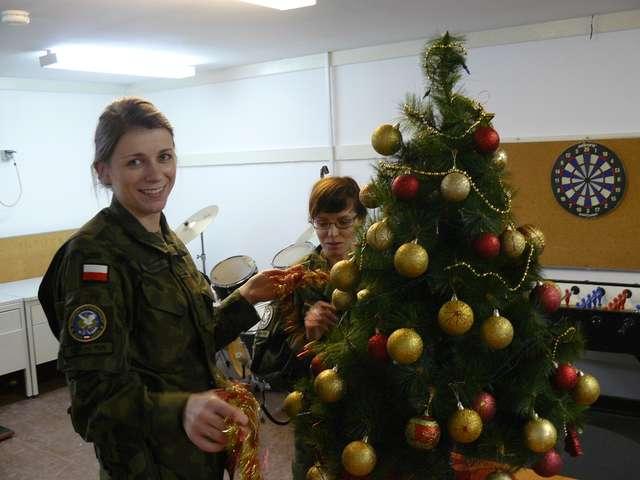 Święta naszych żołnierzy w Kosowie - full image