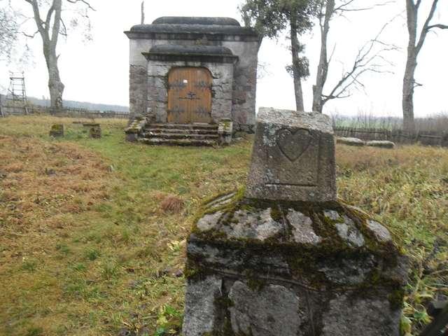 Zakałcze, grobowiec Steinertów