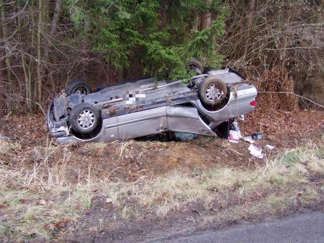 Śmiertelny wypadek pod Iławą. Auto potrąciło kobietę wzywającą pomoc - full image
