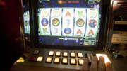 Przegrywał, więc uszkodził automat do gier
