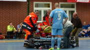 Wypadek na meczu halówki. Piłkarz trafił do szpitala ze złamaną szczęką