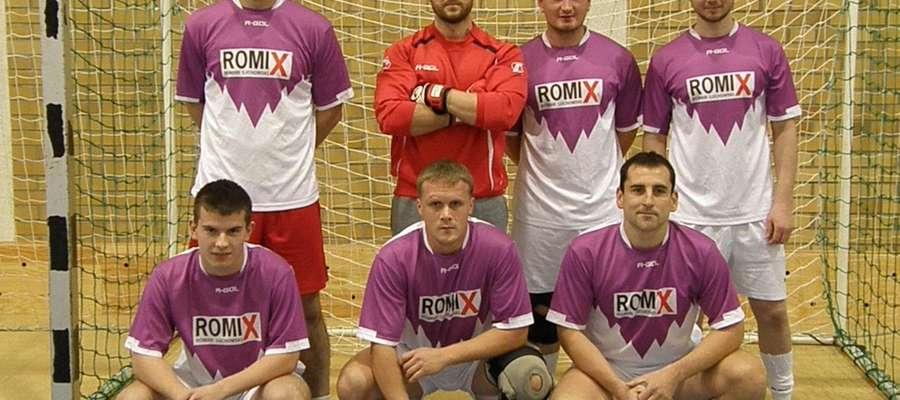 Romix na początek wygrał z Sokołem Garbno 5:2.