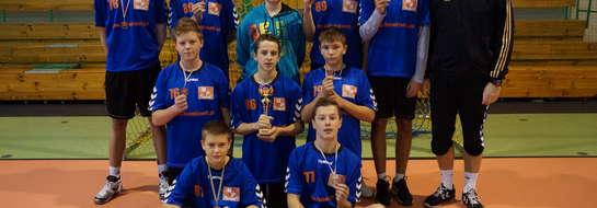 Piłkarze ręczni z Bieżunia z brązowymi medalami wywalczonymi w Borkowie Kościelnym