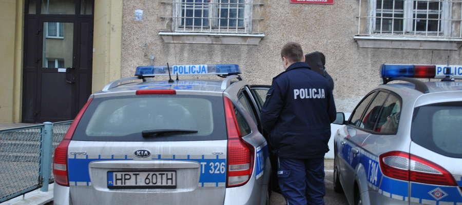 Zbigniew O. trafił do aresztu. Za znęcanie się nad matką może pójść siedzieć na 5 lat