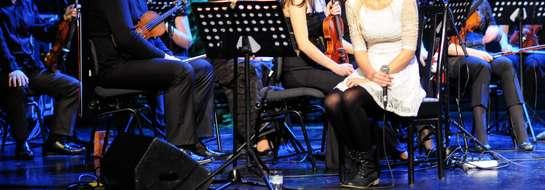 Katarzyna Moś podczas koncertu z Elbląską Orkiestrą Kameralną