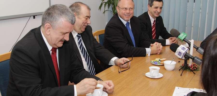 Dziś podpisano umowę na dofinansowanie budowy basenu w Elblągu