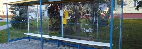 Przystanek autobusowy w Orzyszu wymaga natychmiastowej naprawy