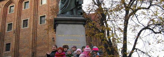 Nie mogło zabraknąć pamiątkowej fotki z Kopernikiem