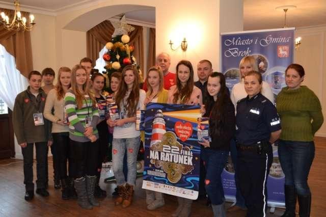 Brokowscy wolontariusze wraz z opiekunami - full image