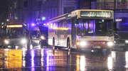 Autobus potrącił pijanego pieszego, który wszedł na czerwonym