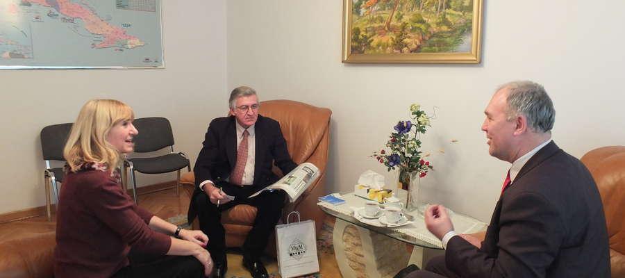 Jerzy Piotrowski  z ambasadorem Kuby Juanem Castro Martinezem