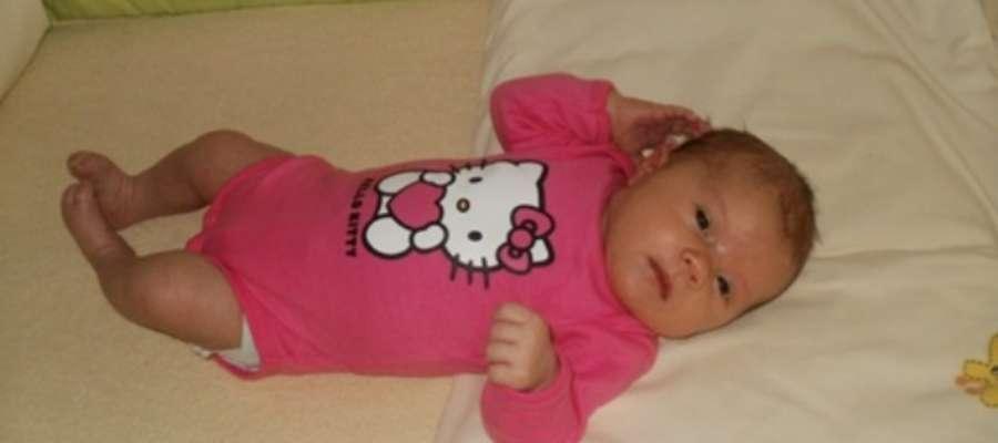 Jedna z posiadaczek najpopularniejszego imienia – Lena, córka Marzeny i Artura.