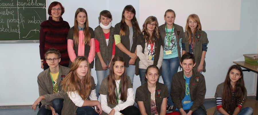 Gimnazjaliści z Lubawy, którzy nakręcili filmik i wzięli udział w konkursie