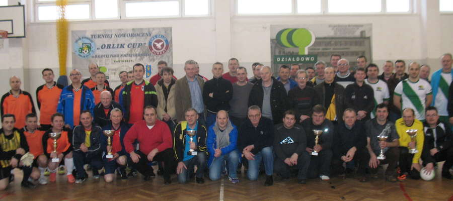 Pamiątkowe zdjęcie uczestników turnieju