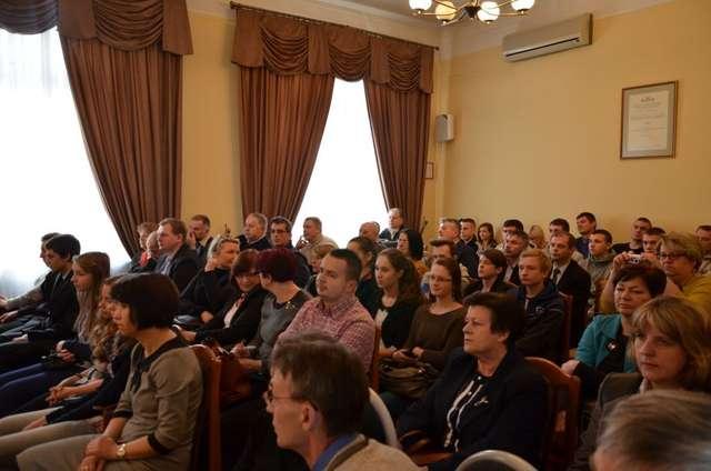 Podczas konferencji obecni byli przedstawiciele różnych środowisk  - full image