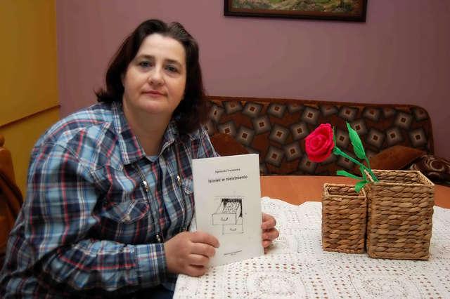 Dylewo: Te wiersze czekały od jej dzieciństwa - full image