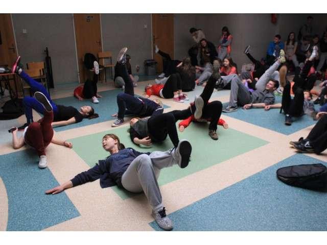 Dzień Aktywności Fizycznej spotkał się z zainteresowaniem gimnazjalistów - full image